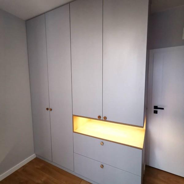 Распашной шкаф для спальни № 151