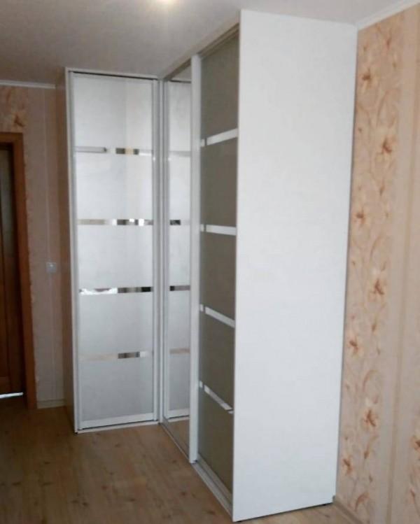 Угловой шкаф-купе №27