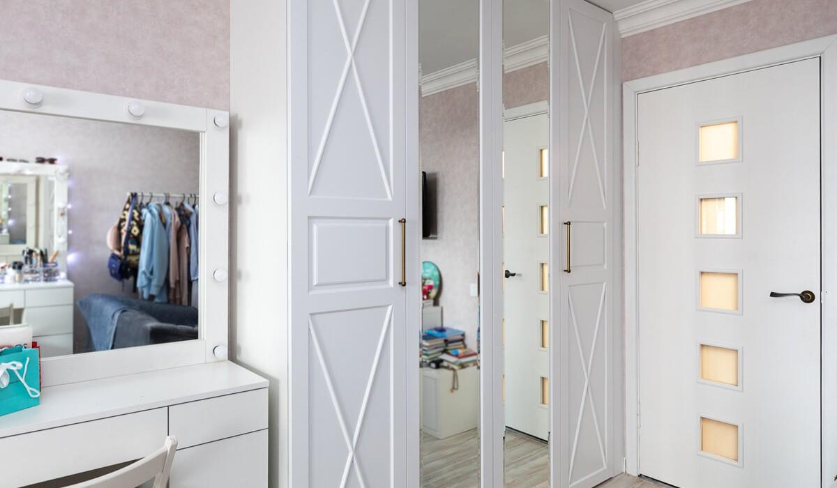 Шкаф со складными дверями по улице Одинцова 107