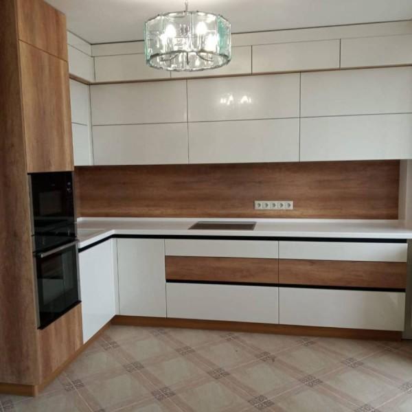 Кухня без ручек №08