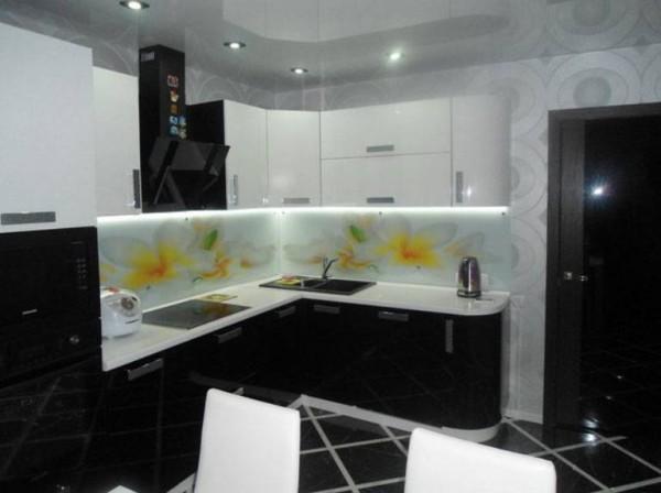 Кухня из крашеного МДФ №31