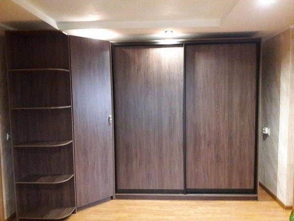 Угловой шкаф-купе №33