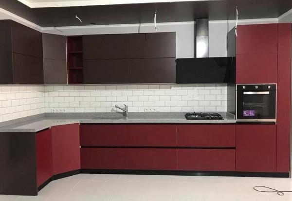 Кухня из крашеного МДФ №69