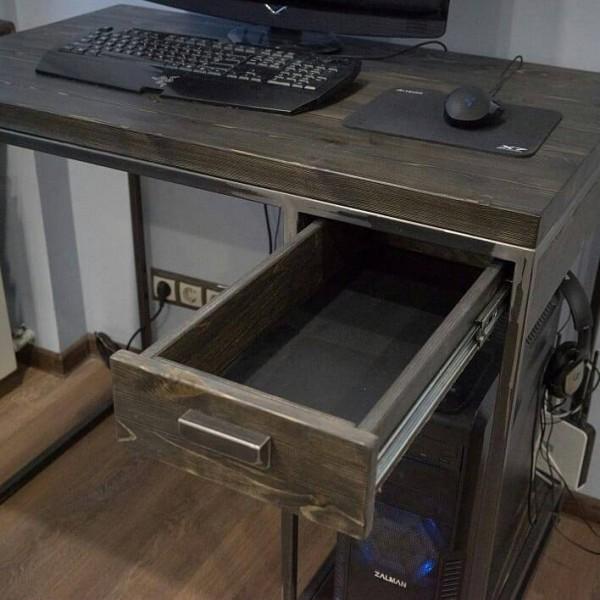 Компьютерный стол №06