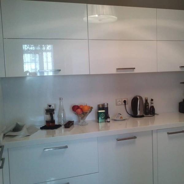 Кухня из пластика №129