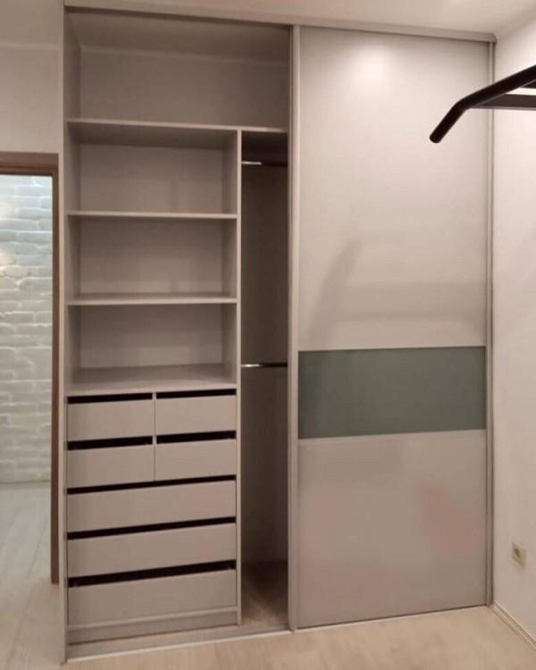 Шкаф-купе в спальню №42