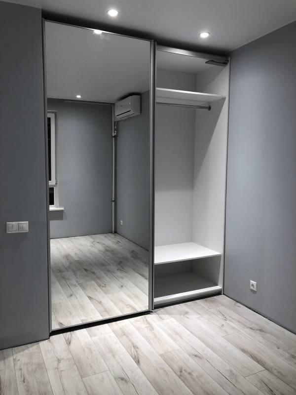 Шкаф-купе с зеркалом №132