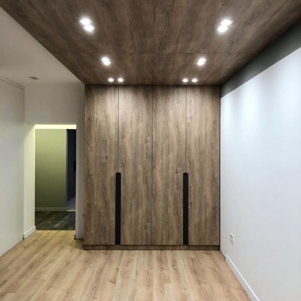 Распашной шкаф в гостиную № 148
