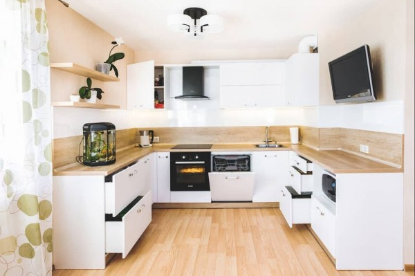 Кухня из пластика №135