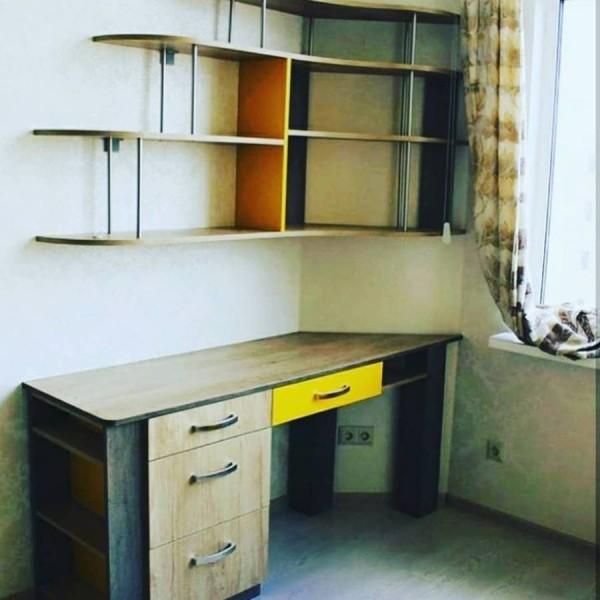 Компьютерный стол №08