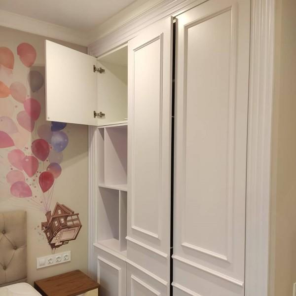 Распашной шкаф в детскую № 146
