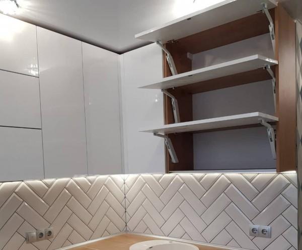 Кухня из крашеного МДФ №39